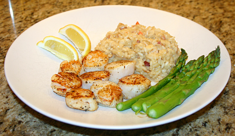 Pan-Seared Scallops with Bacon Risotto